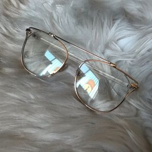 Accessories - Boutique Eye glasses with non prescription